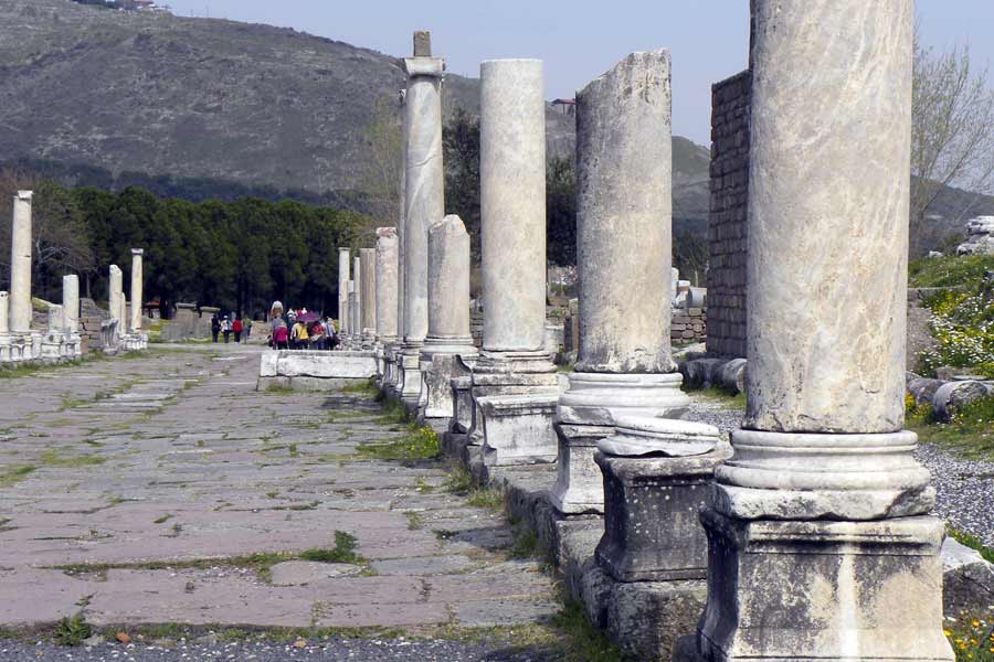 An Afternoon Stroll along the Historical Lane of Pergamon Asklepion